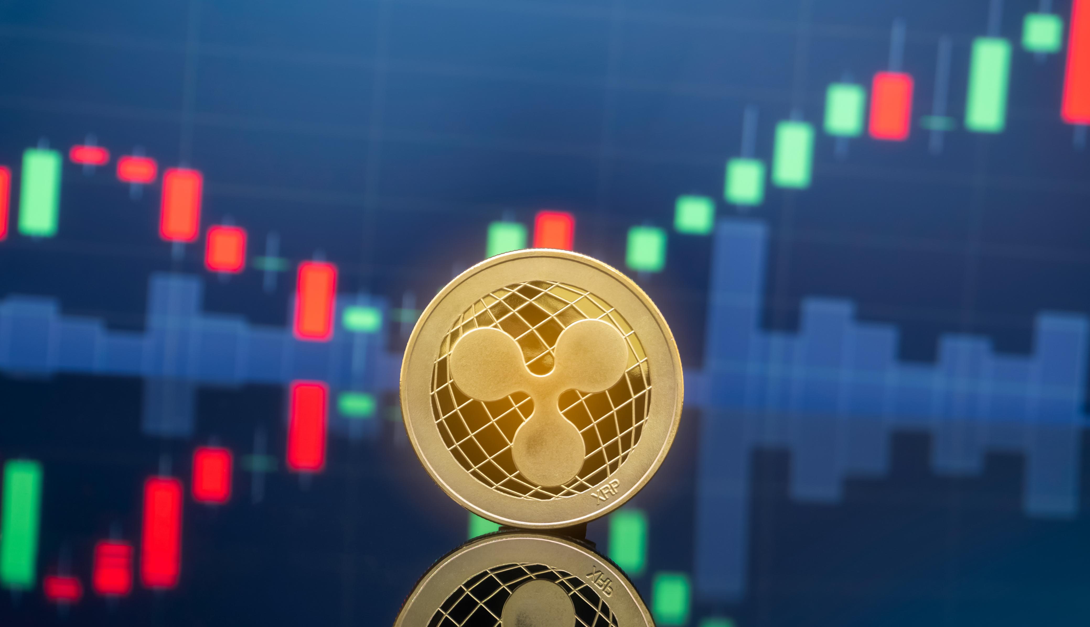 XRP cae y bitcoin impulsa el mercado